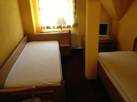 Parkhotel-Schwarzenberg: Zimmer 13 - Kinderzimmer