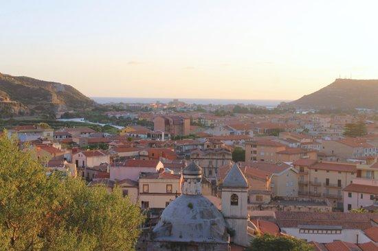 Su Dandaru: View from the castle