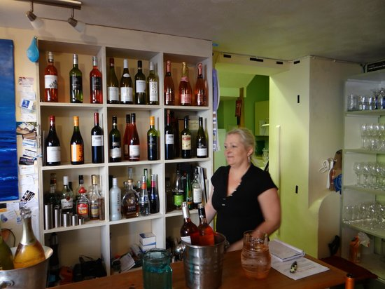 Winchester's Wine Bar: Wendy Your Host
