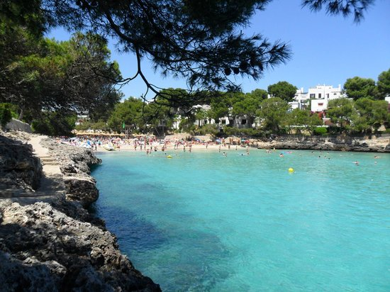 Inturotel Esmeralda Garden: Cala Grand Beach, 5 Minutes walk