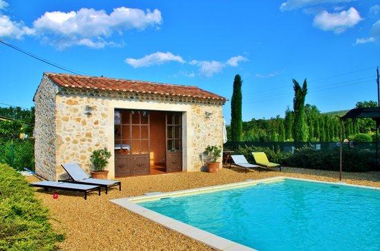 Le Mas Rêvé : Poolhouse en zwembad