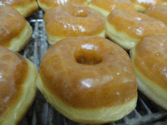 Slaton Bakery: Plain Doughnuts