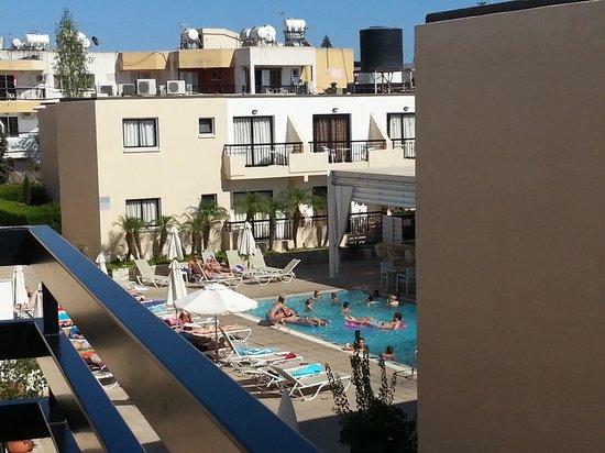 Senator Hotel Apartments: piscina 1