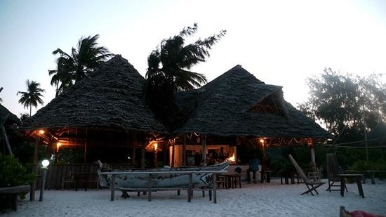 Garden Beach Bungalows: Bar restaurant