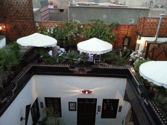 Riad Dar Najat : Terrasse pour manger ou prendre une boisson
