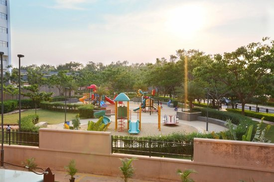 Crest Executive Suites: Kids Park