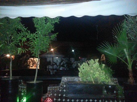 Riad Dar Najat: Arrivée au Riad de nuit