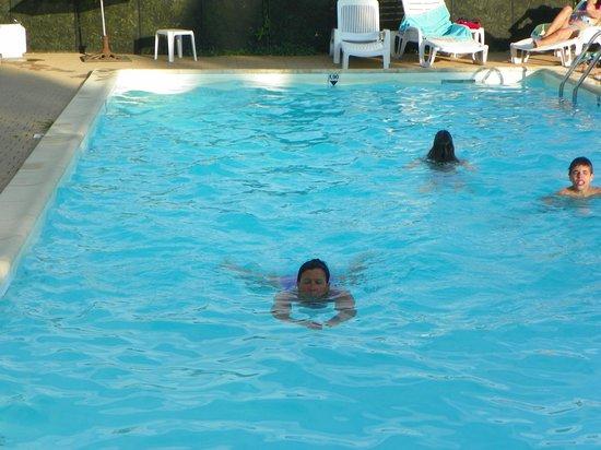 Hotel Mas des Piboules: piscine ou il fait bon nager en arrivant de voyage
