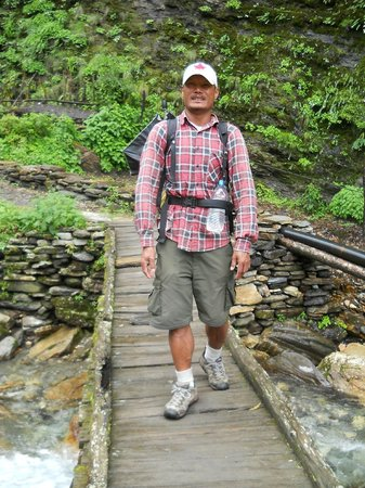 Hotel Travel-Inn: Our Guide Chet (Lakpa)!! Book him! He is very NICE!!!!!!!!