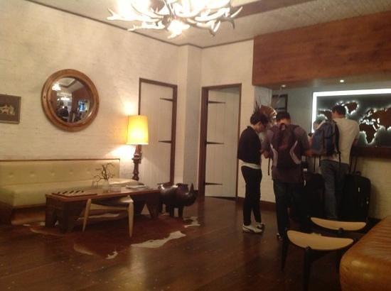 Gild Hall, a Thompson Hotel: lobby