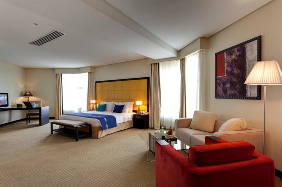Park Inn by Radisson Al Khobar: Penthouse Master Bedroom
