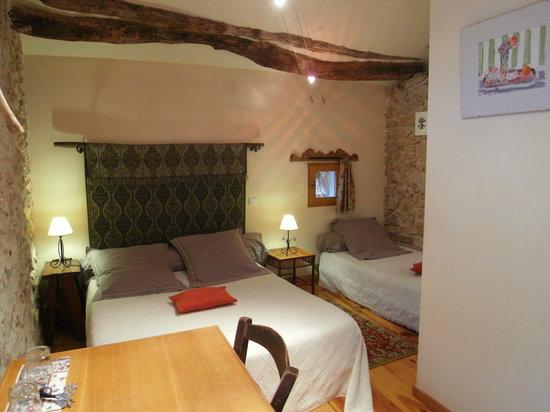 Chambres d'Hôtes Cardabelle : la chambre pivoine