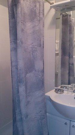 Hotel Pontet : la salle de bain