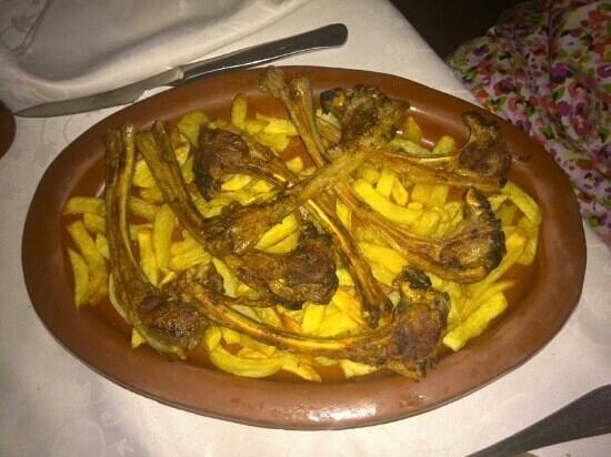 Asador Casa Brigante: Chuletillas con patatas fritas