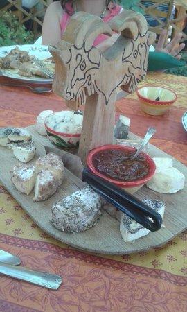 Le Mas des Vertes Rives: La tabla de quesos!!!
