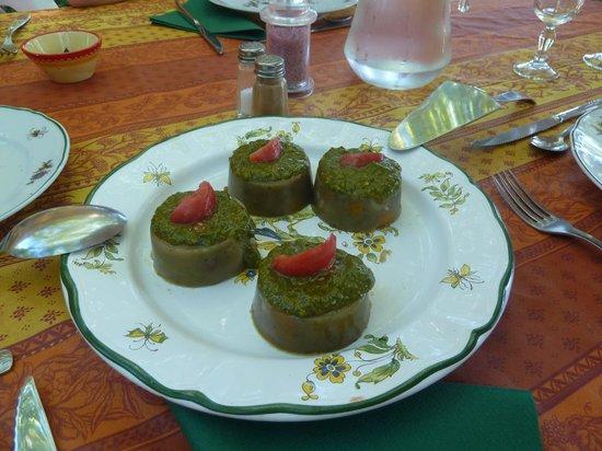 Le Mas des Vertes Rives : Gelatina de verduras con albahaca y tomate!!