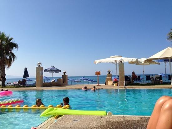 Hotel Marina Sands: Ved poolområdet