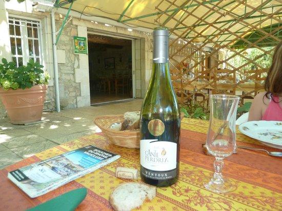 Le Mas des Vertes Rives: El vino Ventoux el mejor precio-calidad!!