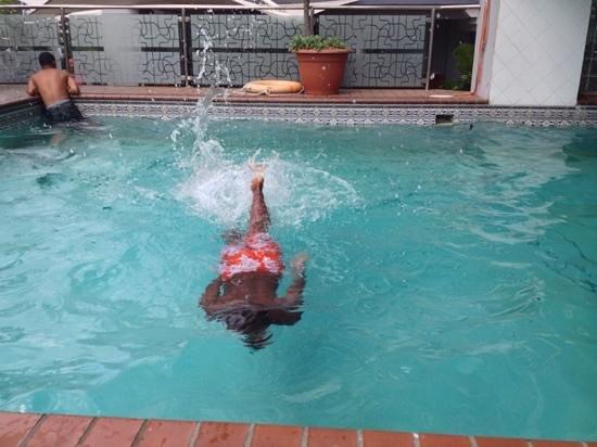 Aparthotel Torres de Alba: Pool