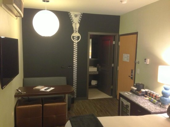 ACME Hotel Company Chicago: Great Decoration