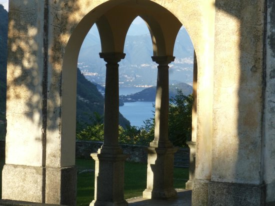 La Griglia H: view from the church next to the hotel