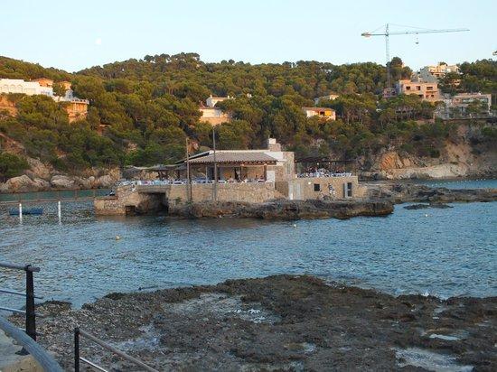 Camp de Mar: Island Resturant