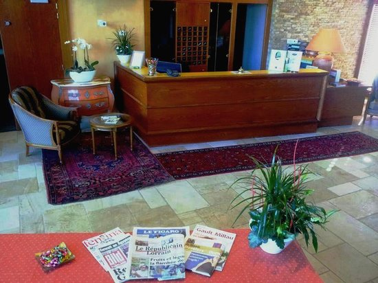 Hostellerie du Chambellan : Reception Newspapers