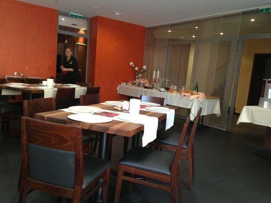 Herberge Teufenthal: Breakfast and dining inside