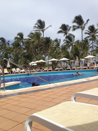Hotel Riu Palace Bavaro: Poolside