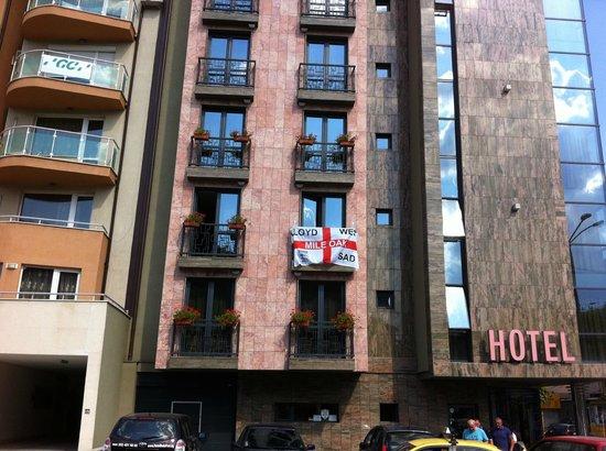 Budapest Hotel: outside