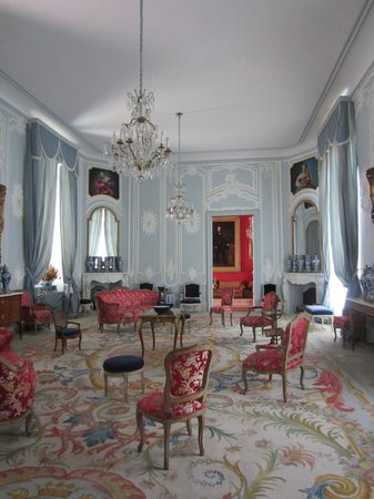 Le Duche: A room in the chateau