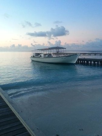 Kuramathi Island Resort : sunrise