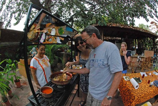 Patio Mexica Cooking School : Hands-on prep of traditional chile rellenos