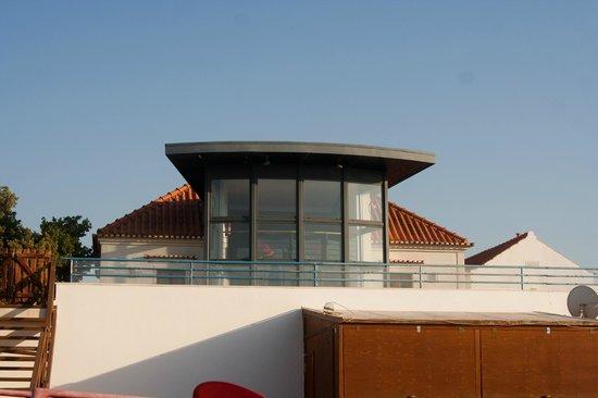 Aldeamento de Palmela: bar view from swimming pool