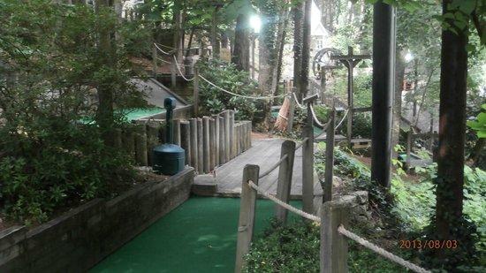Fort Fun Mini Golf and More: very pretty