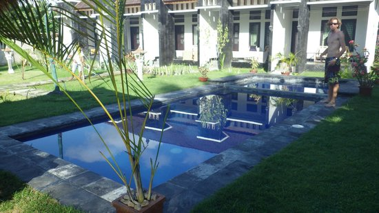 Heavenly Homestay: La piscine miroir