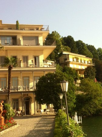 Hotel Villa Flori: Our room was on the top corner