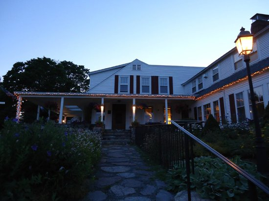 Sugar Hill Inn : View from the front