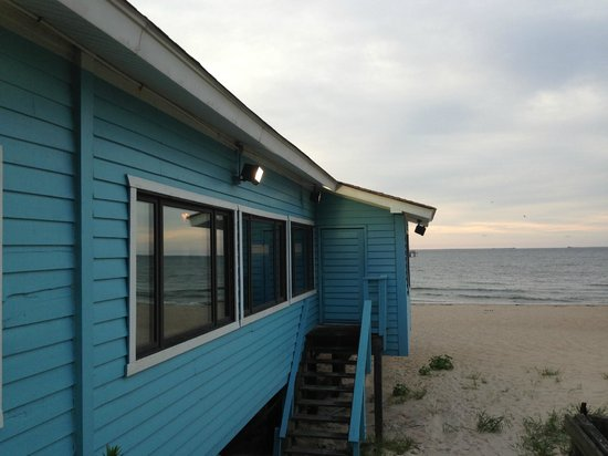 Main dining room out on the pier picture of lynnhaven for Lynnhaven fishing pier