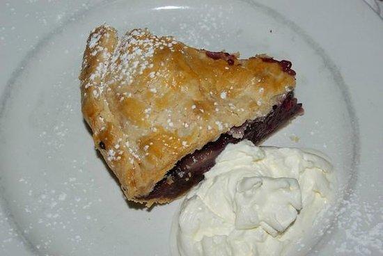 Coastal Kitchen: Apple pie - flaky crust!!!