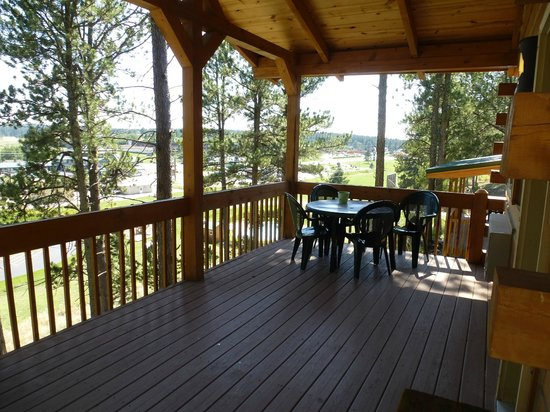 Rock Crest Lodge: Deck