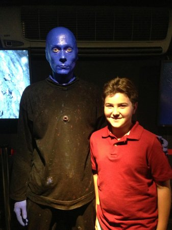 Blue Man Group : Michael on his 12th Birthday with the Blue Man!