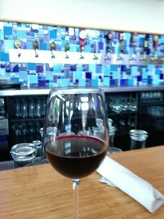 Square Burger: excellent selection of craft beers and wine.