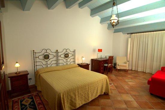 Torre Archirafi Resort: La stanza da letto