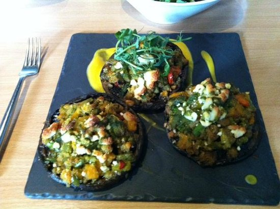 Green Olive Restaurant: Stuffed Jersey Mushrooms!