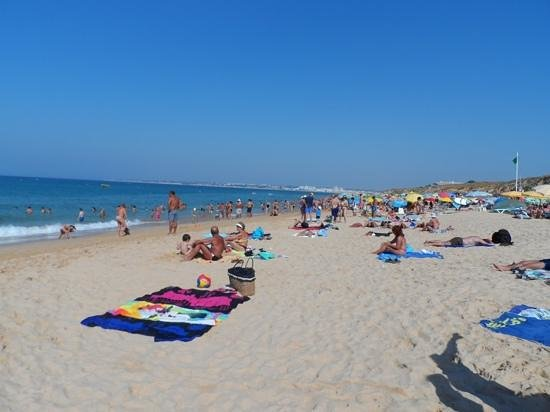 Praia Gale: Soft Golden Sand. Very clean beach but crowded in August