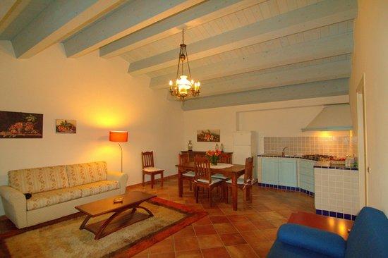 Torre Archirafi Resort: Living room
