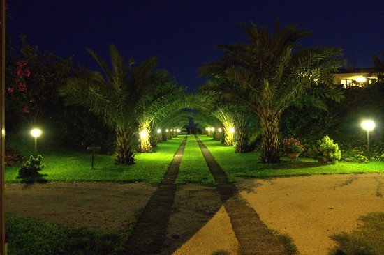 Torre Archirafi Resort: Main entrance