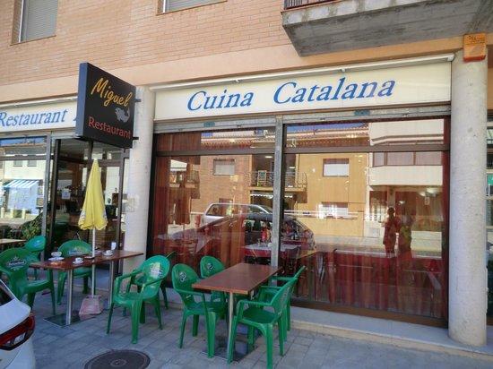 La fa ade du restaurant photo de restaurant miguel la for Restaurant la jonquera
