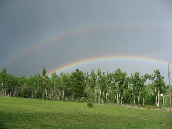 Takhini River Lodge: Double rainbow from front door